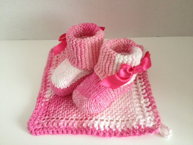 LAC Pink Uggs 4-2013